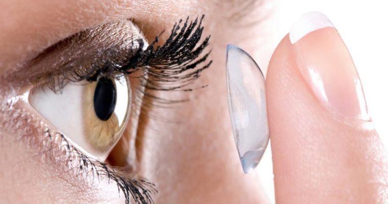 Lentille de contact : Comment bien retirer des lentilles de contact ?