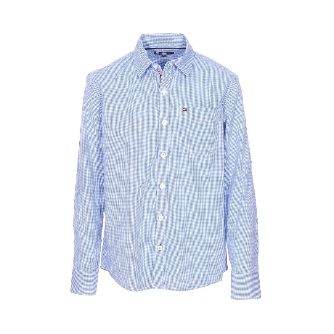 Est-ce que vous vous sentez bien dans votre chemise Tommy Hilfiger?